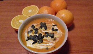 Rozgrzewająca zupa krem z dyni z nutą pomarańczy